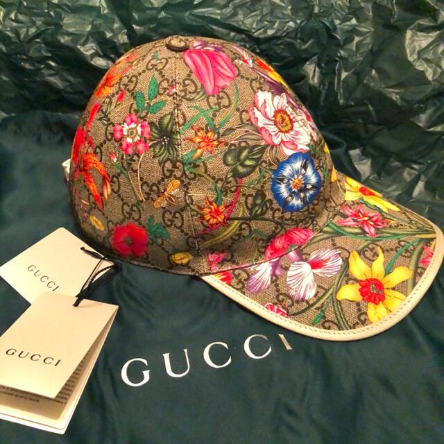 Gucci(グッチ)の新品未使用 GUCCI GG柄 花柄 レザー スナップバックキャップ 箱付き メンズの帽子(キャップ)の商品写真
