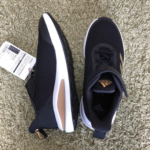 adidas(アディダス)のスニーカー☆adidas☆23.0センチ キッズ/ベビー/マタニティのキッズ靴/シューズ(15cm~)(スニーカー)の商品写真