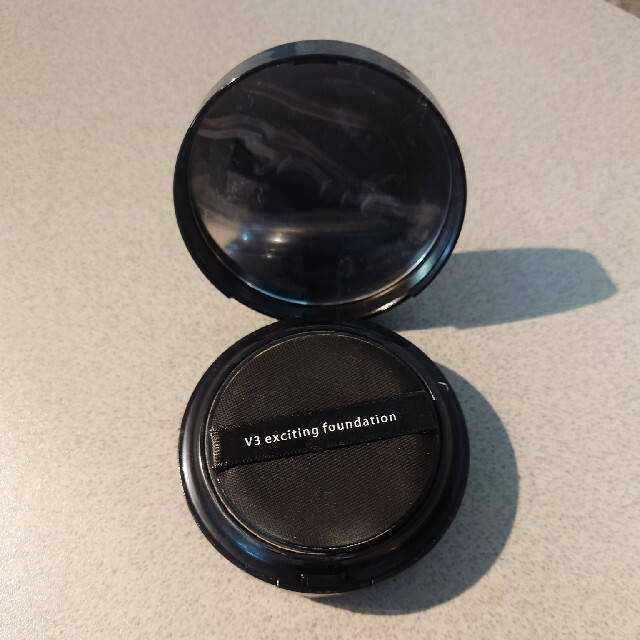 3ce(スリーシーイー)のv3 クッションファンデーション コスメ/美容のベースメイク/化粧品(ファンデーション)の商品写真
