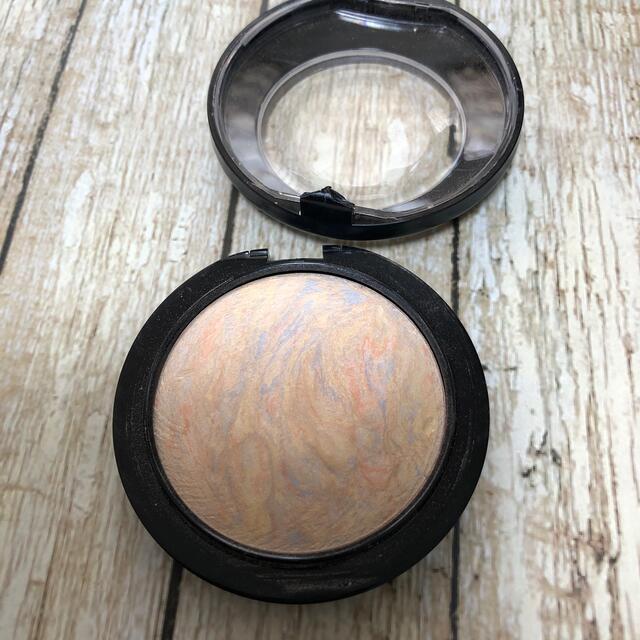 MAC(マック)のA.Y.R様専用ページです コスメ/美容のベースメイク/化粧品(フェイスパウダー)の商品写真