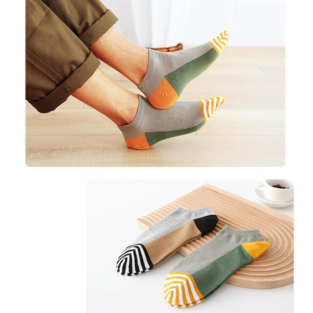 2021夏新作 まとめ売り5足組 カラフル靴下 メンズ オシャレ 紳士用 韓国黒 レディースのレッグウェア(ソックス)の商品写真