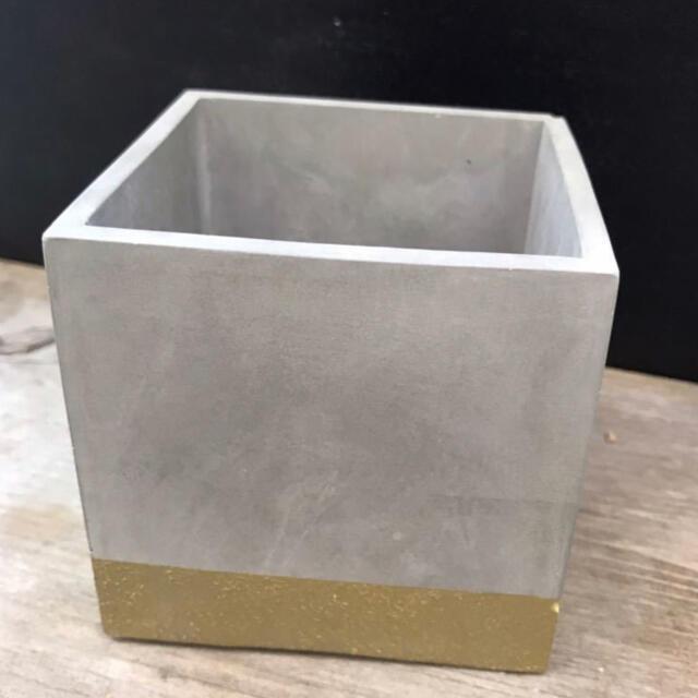 オシャレ セメント鉢ゴールド2点セット ハンドメイドのフラワー/ガーデン(プランター)の商品写真