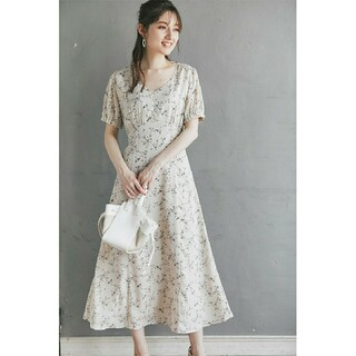 tocco - 〘完売品〙tocco*ウエストりぼん付きフラワープリントワンピース