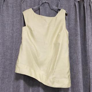 ルシェルブルー(LE CIEL BLEU)のNOMIA  ツイストアシメ 上品トップス(シャツ/ブラウス(半袖/袖なし))