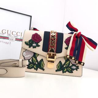 Gucci - GUCCI シルヴィスモールショルダーバッグ