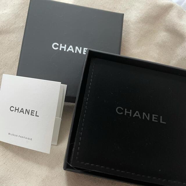 CHANEL(シャネル)のCHANEL カメリアピアス レディースのアクセサリー(ピアス)の商品写真