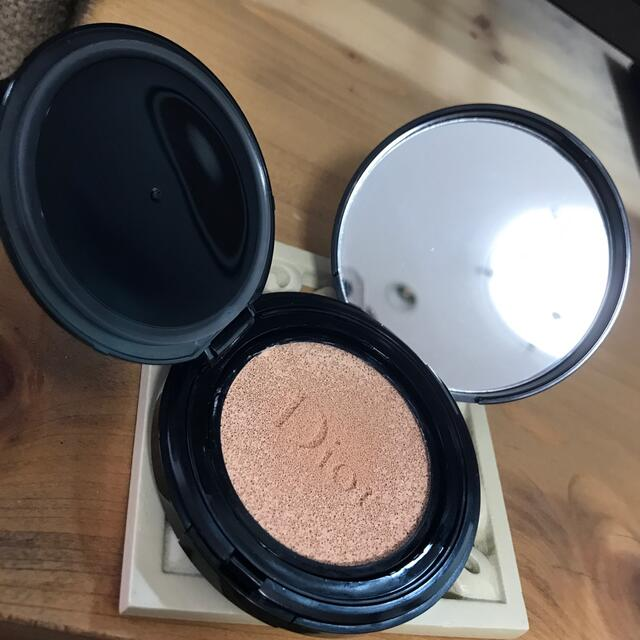 Dior(ディオール)のディオール クッションファンデ ON コスメ/美容のベースメイク/化粧品(ファンデーション)の商品写真