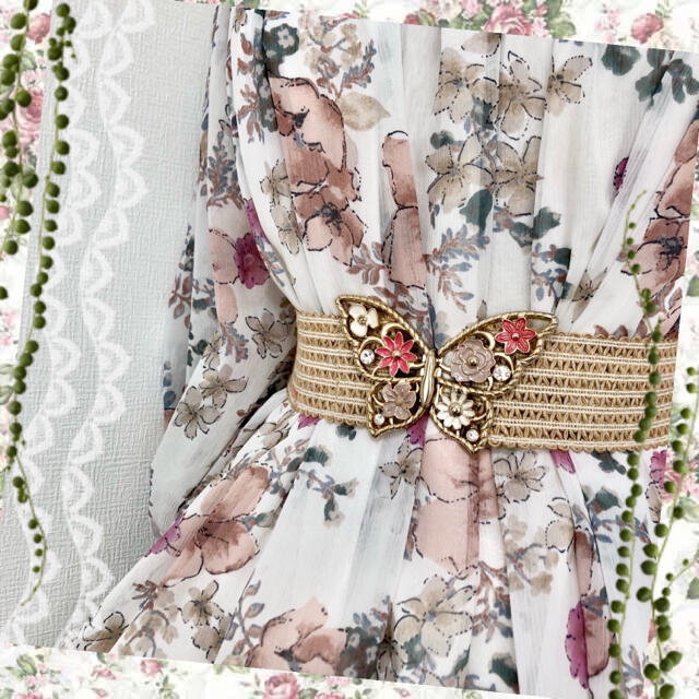 axes femme(アクシーズファム)の【3点セット】花柄チュニックワンピース、レーススカート、蝶モチーフゴムベルト レディースのトップス(チュニック)の商品写真