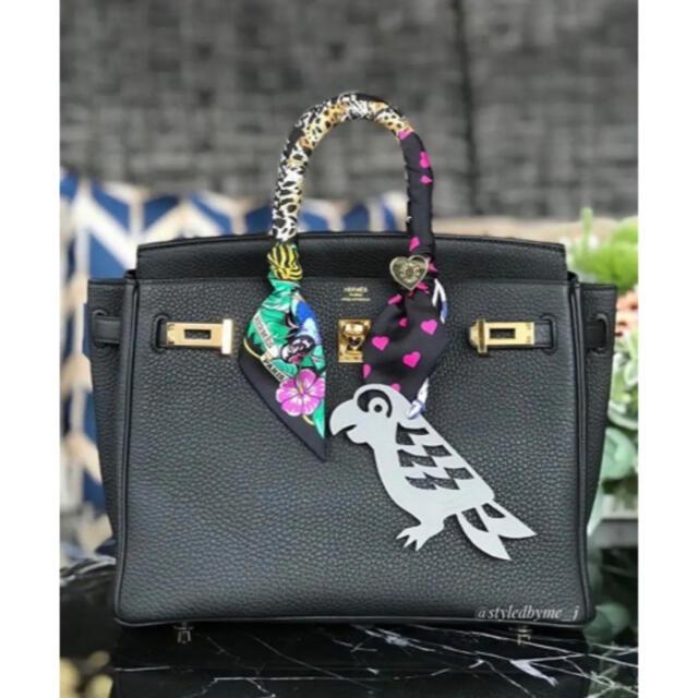 【新入荷】エレガント レア 高品質 本革 リバーシブル オウム バックチャーム ハンドメイドのファッション小物(バッグチャーム)の商品写真