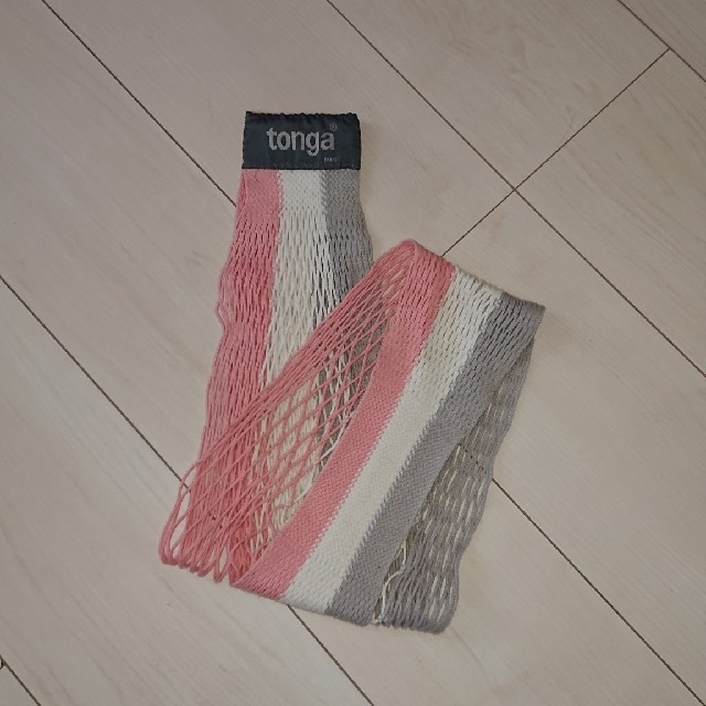 tonga(トンガ)のトンガ 抱っこひも スリング キッズ/ベビー/マタニティの外出/移動用品(抱っこひも/おんぶひも)の商品写真