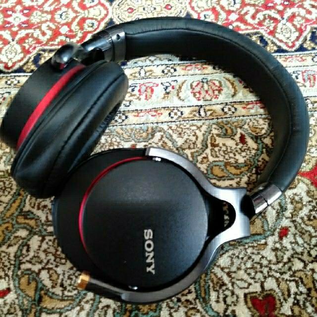 SONY(ソニー)のSony ヘッドホン MDR-1A  スマホ/家電/カメラのオーディオ機器(ヘッドフォン/イヤフォン)の商品写真