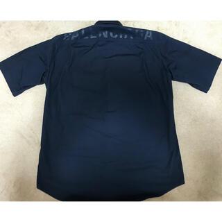 バレンシアガ(Balenciaga)のバレンシアガ バックプリントロゴシャツ(シャツ)