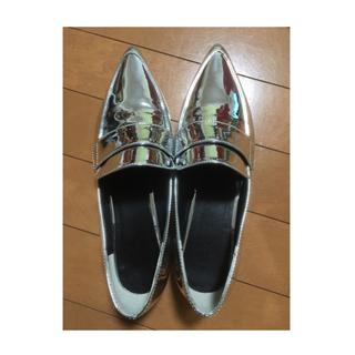 ジーユー(GU)の大人気♡シルバーローファー(^ω^)(ローファー/革靴)