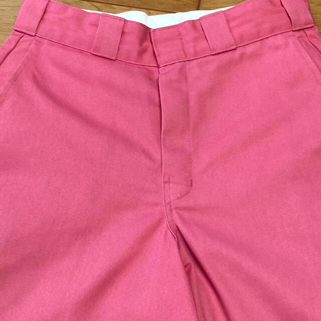Dickies(ディッキーズ)のDickies ディッキーズ ハーフパンツ 42283 ピンク サイズ28M相当 メンズのパンツ(ショートパンツ)の商品写真