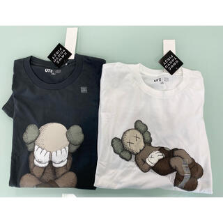 UNIQLO - kaws×UNIQLO グラフィックTシャツ 2枚セット + フリーペーパー