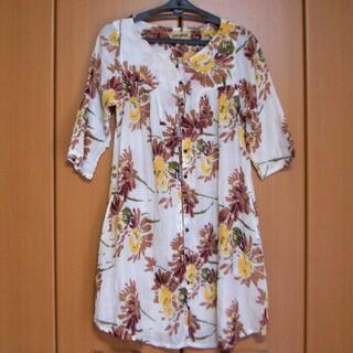 CALINER インド綿 ロングシャツ シワ加工 花柄(シャツ/ブラウス(半袖/袖なし))
