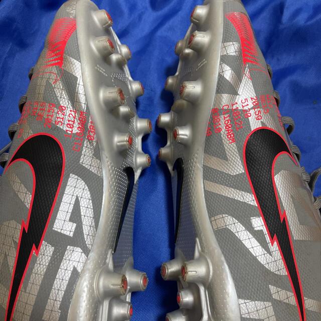 NIKE(ナイキ)のNIKE サッカーシューズ 22.5㎝ スポーツ/アウトドアのサッカー/フットサル(シューズ)の商品写真