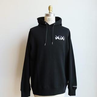 sacai - sacai × kaws Embroidered hoodie パーカー サカイ