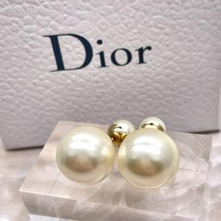Dior - ★DIOR★ ディオール トライバルピアス パール