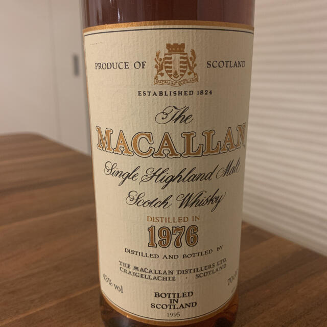 マッカラン 18年 1976 700ml 43% シェリーウッド 箱付き 未開栓 食品/飲料/酒の酒(ウイスキー)の商品写真