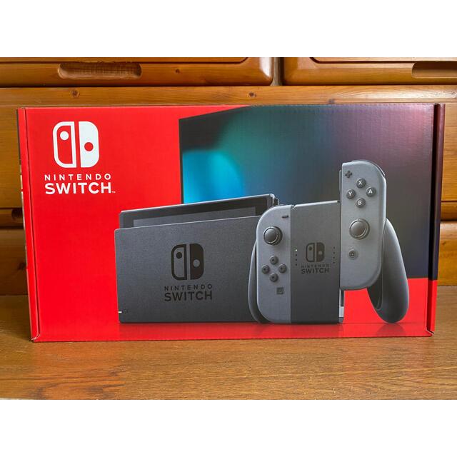 Nintendo Switch(ニンテンドースイッチ)のNintendo Switch ニンテンドースイッチ本体/グレー  エンタメ/ホビーのゲームソフト/ゲーム機本体(家庭用ゲーム機本体)の商品写真
