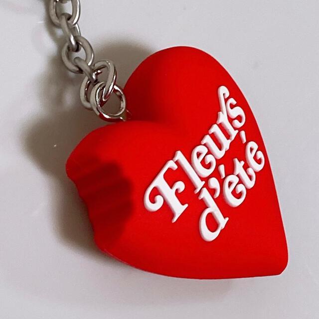 GDC(ジーディーシー)のレッド GDC×ete HEART KEYCHAIN メンズのファッション小物(キーホルダー)の商品写真