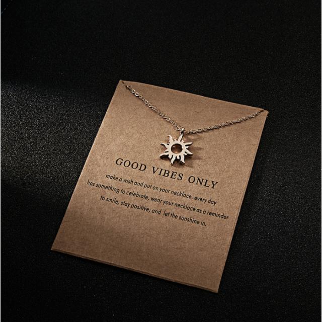 太陽/高級ネックレス/サン御守り/パワージュエリー/ゴールド/北欧 レディースのアクセサリー(ネックレス)の商品写真