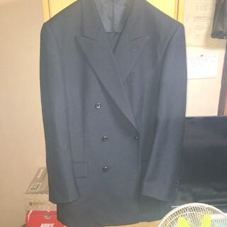 アオヤマ(青山)の冠婚葬祭に使えるスーツ(スーツ)