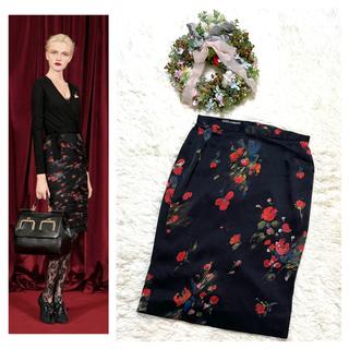 ドルチェアンドガッバーナ(DOLCE&GABBANA)の本物 美品 ドルチェ&ガッバーナ フラワーデザイン シルク スカート 36 S (ひざ丈スカート)