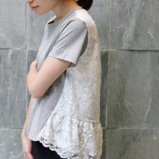イエナ(IENA)の良品 IENA バックレースカット プルオーバー グレー(Tシャツ(半袖/袖なし))