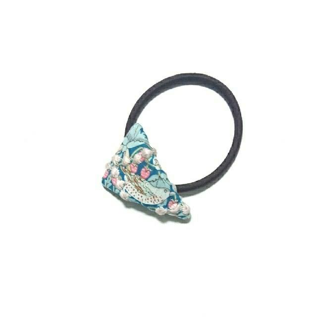 mina perhonen(ミナペルホネン)のNo.549 ミナペルホネン  ハンドメイド ヘアゴム ハンドメイドのアクセサリー(ヘアアクセサリー)の商品写真