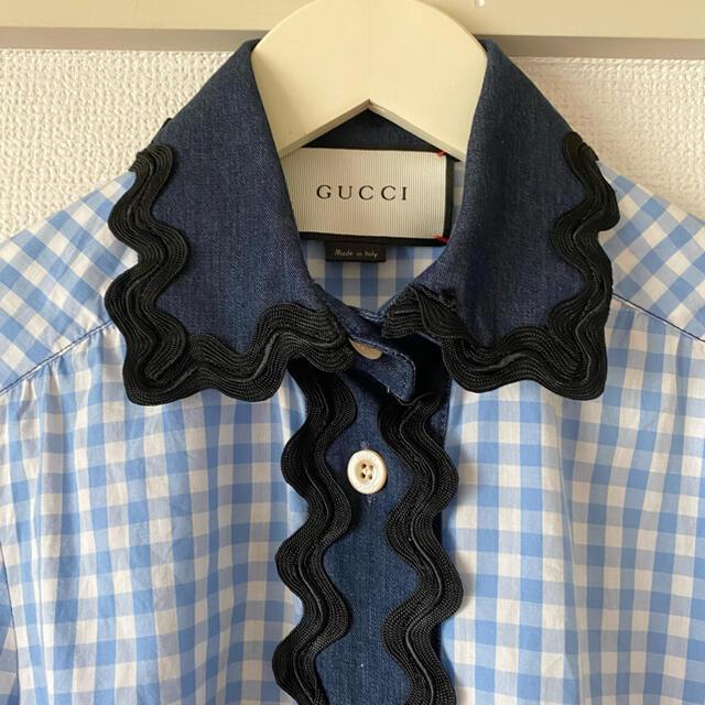 Gucci(グッチ)のGUCCI ギンガムチェック デニムブラウス グッチ スカラップ レース 水色 レディースのトップス(シャツ/ブラウス(長袖/七分))の商品写真