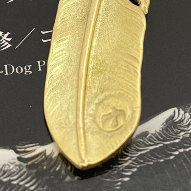 goro's(ゴローズ)の美品goro's ゴローズk18 全金金縄赤珊瑚付特大フェザー 右ローズメタル付 メンズのアクセサリー(ネックレス)の商品写真