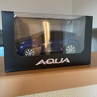 トヨタ - トヨタ 新型 アクア プルバック ミニカー ブルー