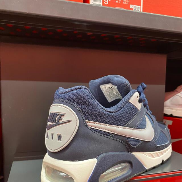 NIKE(ナイキ)の新品 AIR MAX エア マックス IVO  ネイビー 27.5cm メンズの靴/シューズ(スニーカー)の商品写真