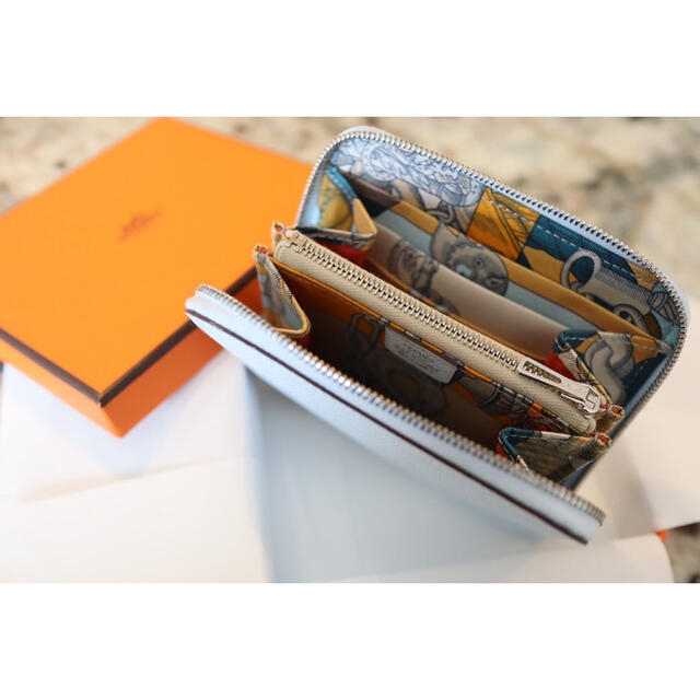 Hermes(エルメス)のエルメス シルクインコンパクト 《デッラ・カヴァッレリア》 レディースのファッション小物(財布)の商品写真