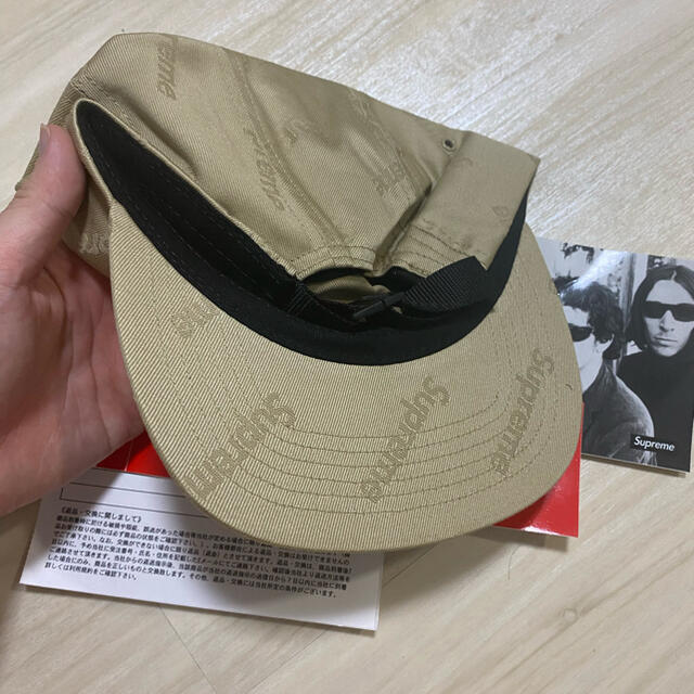 Supreme(シュプリーム)のSupreme Jacquard Logos Twill Camp Cap メンズの帽子(キャップ)の商品写真