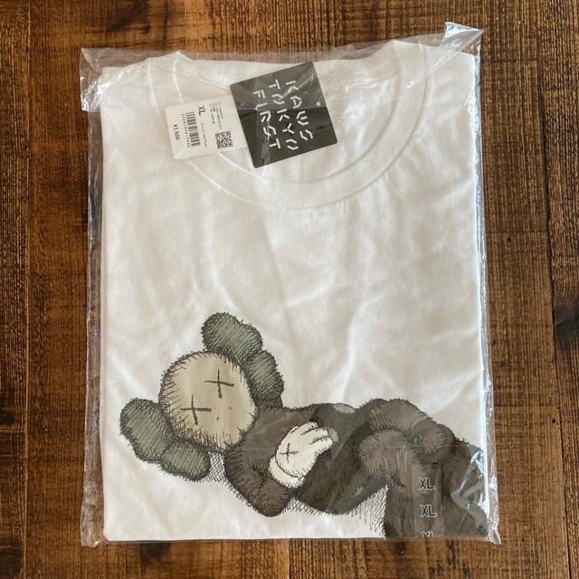 UNIQLO(ユニクロ)のユニクロ カウズ コラボTシャツ   XL  ホワイト 新品・未開封品 メンズのトップス(Tシャツ/カットソー(半袖/袖なし))の商品写真