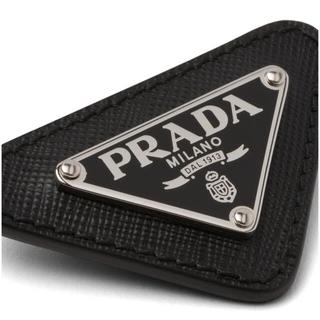 PRADA - 完売 新品 未使用 プラダ バッチ ブローチ サフィアーノ