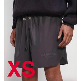 フィアオブゴッド(FEAR OF GOD)のXSサイズ essentials ナイロンショーツ ブラック リフレクティブ(ショートパンツ)