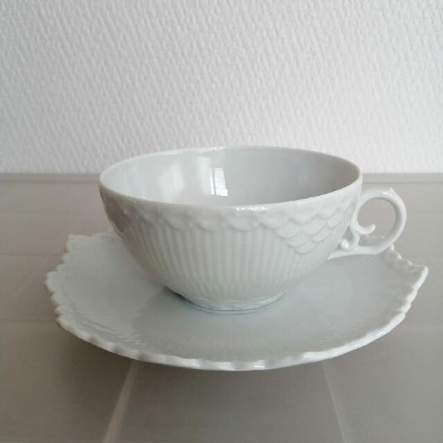 ROYAL COPENHAGEN(ロイヤルコペンハーゲン)のロイヤルコペンハーゲン ホワイトフルーテッド フルレース カップ&ソーサー インテリア/住まい/日用品のキッチン/食器(グラス/カップ)の商品写真