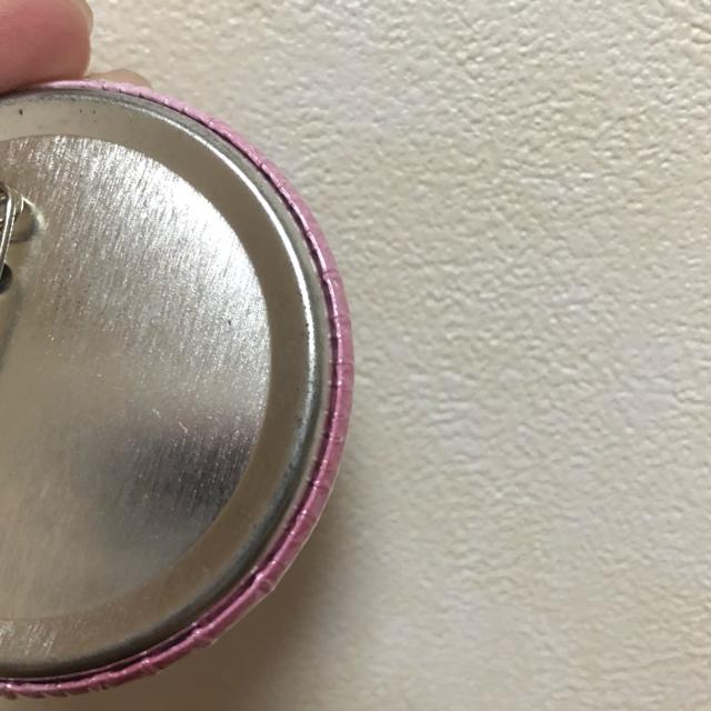 サンリオ(サンリオ)のスイーツピューロ シナモン シナモロール 缶バッジ ノベルティ エンタメ/ホビーのアニメグッズ(バッジ/ピンバッジ)の商品写真
