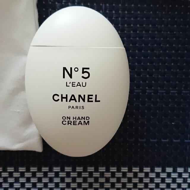 CHANEL(シャネル)の【新品】CHANEL シャネルN°5 ローハンドクリーム&巾着 ファクトリー5 コスメ/美容のボディケア(ハンドクリーム)の商品写真