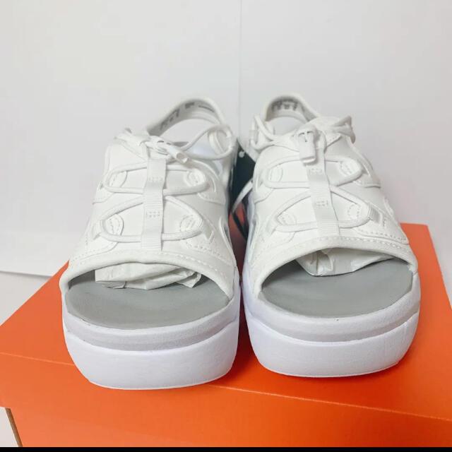 NIKE(ナイキ)のココサンダル 白 23センチ レディースの靴/シューズ(サンダル)の商品写真