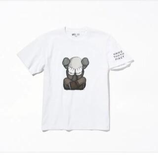 メディコムトイ(MEDICOM TOY)のKAWS TOKYO FIRST展限定 KAWSコンパニオンTシャツ おまけ付き(Tシャツ/カットソー(半袖/袖なし))