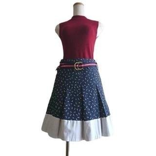 マックスアンドコー(Max & Co.)の未使用❇️MAX&Co.❇️ネイビー×ホワイト ベルト付プリーツスカート(ひざ丈スカート)