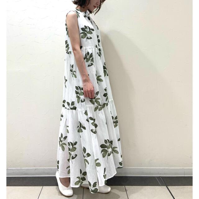 gelato pique(ジェラートピケ)の新品 ジェラートピケ ジャスミンモチーフノースリーブドレス ホワイト レディースのルームウェア/パジャマ(ルームウェア)の商品写真