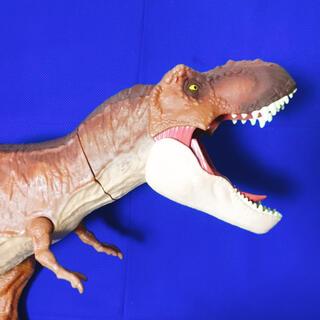 ユニバーサルエンターテインメント(UNIVERSAL ENTERTAINMENT)のjurassic World Big T-Rex Figure(キャラクターグッズ)