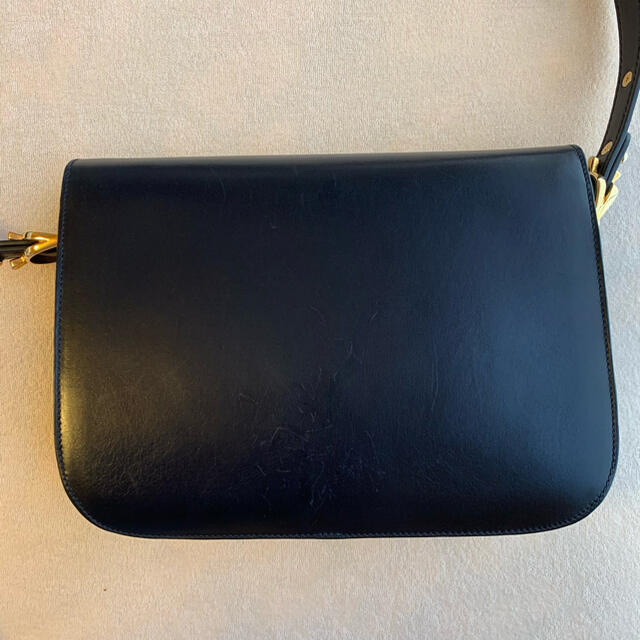 celine(セリーヌ)のセリーヌ サルキー クラシックボックス 馬車金具 ショルダーバッグ 斜め掛け レディースのバッグ(ショルダーバッグ)の商品写真
