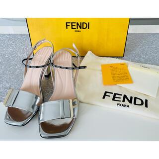 FENDI - FENDI シルバーサンダル ラミネートレザー  Fモチーフ 36 23.0cm